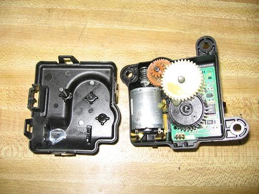 Driver side Blend door actuator any one do it? | Charger Forums